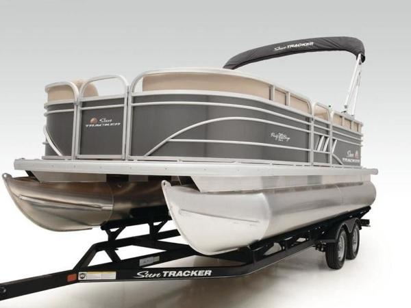 2022 Sun Tracker boat for sale, model of the boat is PARTY BARGE® 20 DLX & Image # 30 of 45