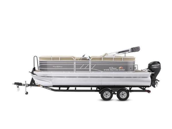 2022 Sun Tracker boat for sale, model of the boat is PARTY BARGE® 20 DLX & Image # 31 of 45