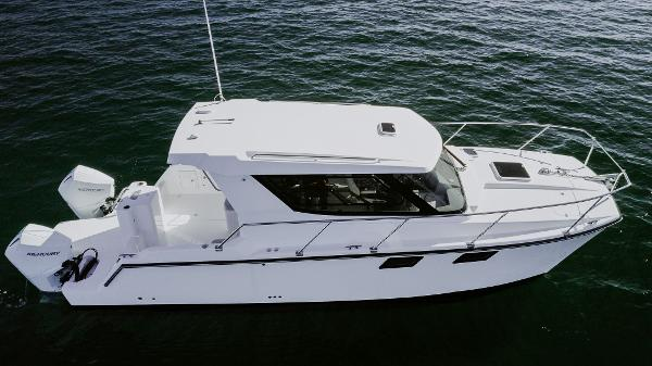 2021 ArrowCat 320 Coupe