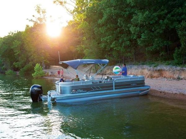 2022 Sun Tracker boat for sale, model of the boat is PARTY BARGE® 24 DLX & Image # 57 of 59