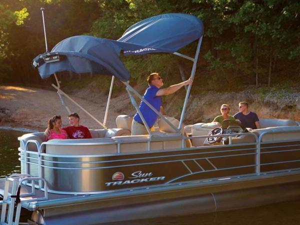 2022 Sun Tracker boat for sale, model of the boat is PARTY BARGE® 24 DLX & Image # 58 of 59