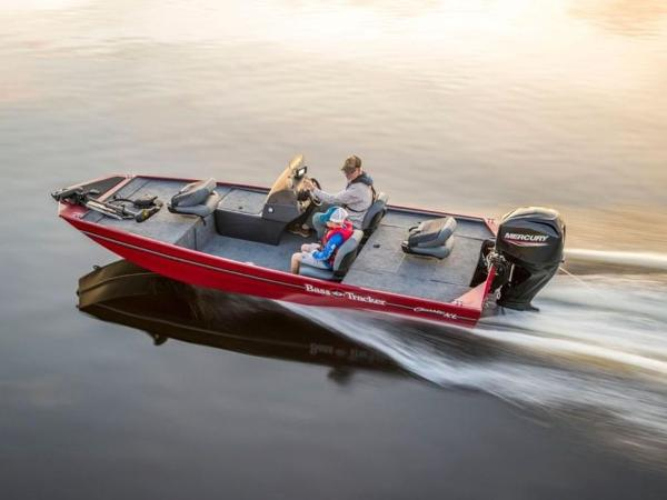 2021 Tracker Boats boat for sale, model of the boat is BASS TRACKER® Classic XL & Image # 8 of 37