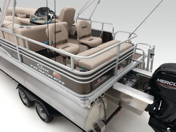 2021 Sun Tracker boat for sale, model of the boat is SportFish™ 22 XP3 & Image # 31 of 58