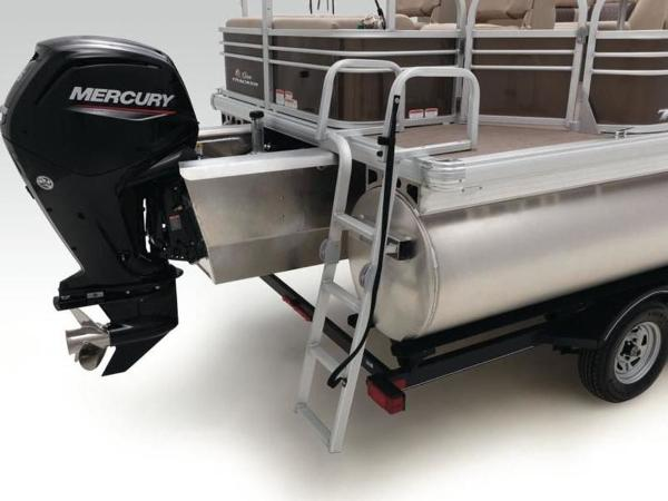 2021 Sun Tracker boat for sale, model of the boat is SportFish™ 22 XP3 & Image # 34 of 58