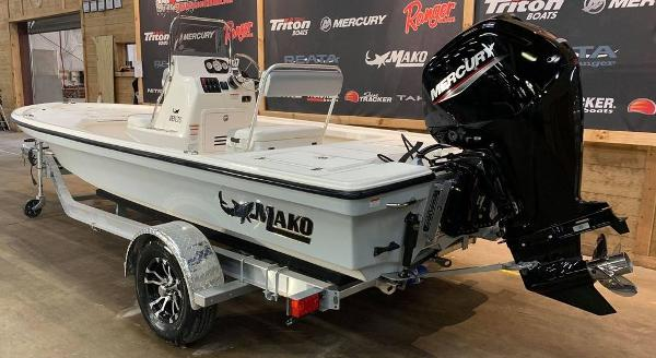 2021 Mako boat for sale, model of the boat is 18 LTS & Image # 2 of 15