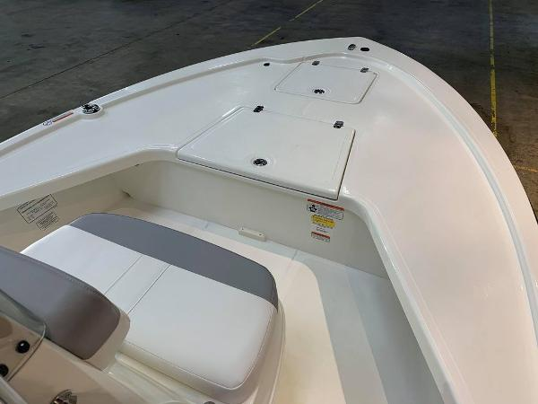 2021 Mako boat for sale, model of the boat is 18 LTS & Image # 6 of 15
