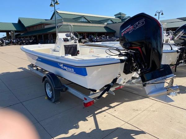 2021 Mako boat for sale, model of the boat is Pro Skiff 19 CC & Image # 2 of 3