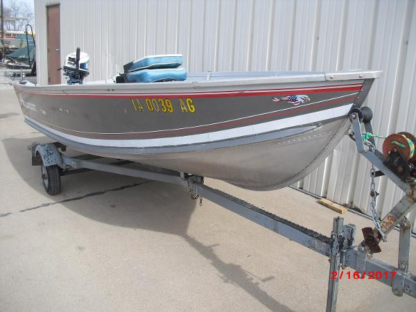 1993 Alumacraft boat for sale, model of the boat is 14' V & Image # 1 of 12