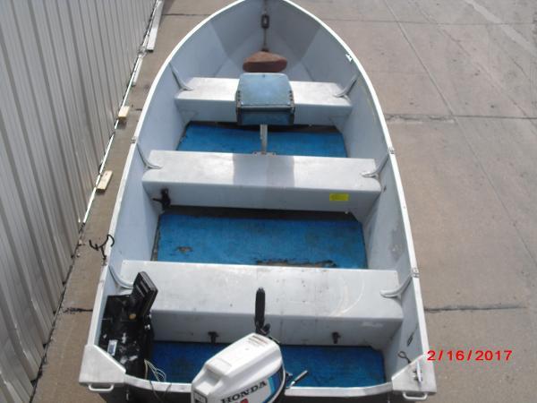 1993 Alumacraft boat for sale, model of the boat is 14' V & Image # 2 of 12