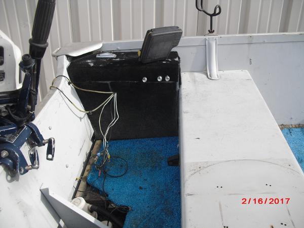 1993 Alumacraft boat for sale, model of the boat is 14' V & Image # 5 of 12