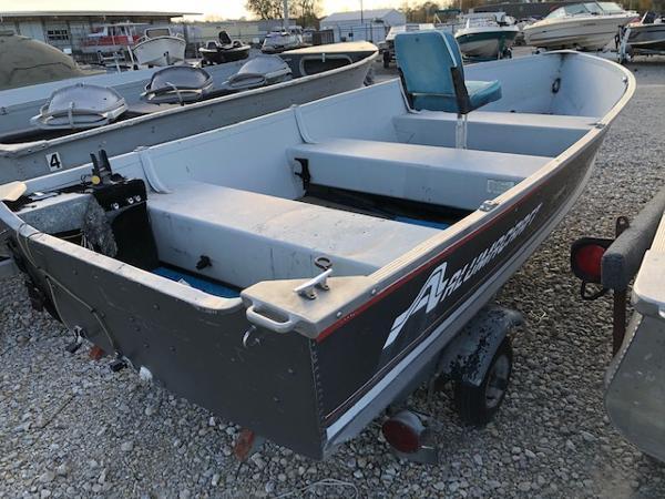 1993 Alumacraft boat for sale, model of the boat is 14' V & Image # 9 of 12