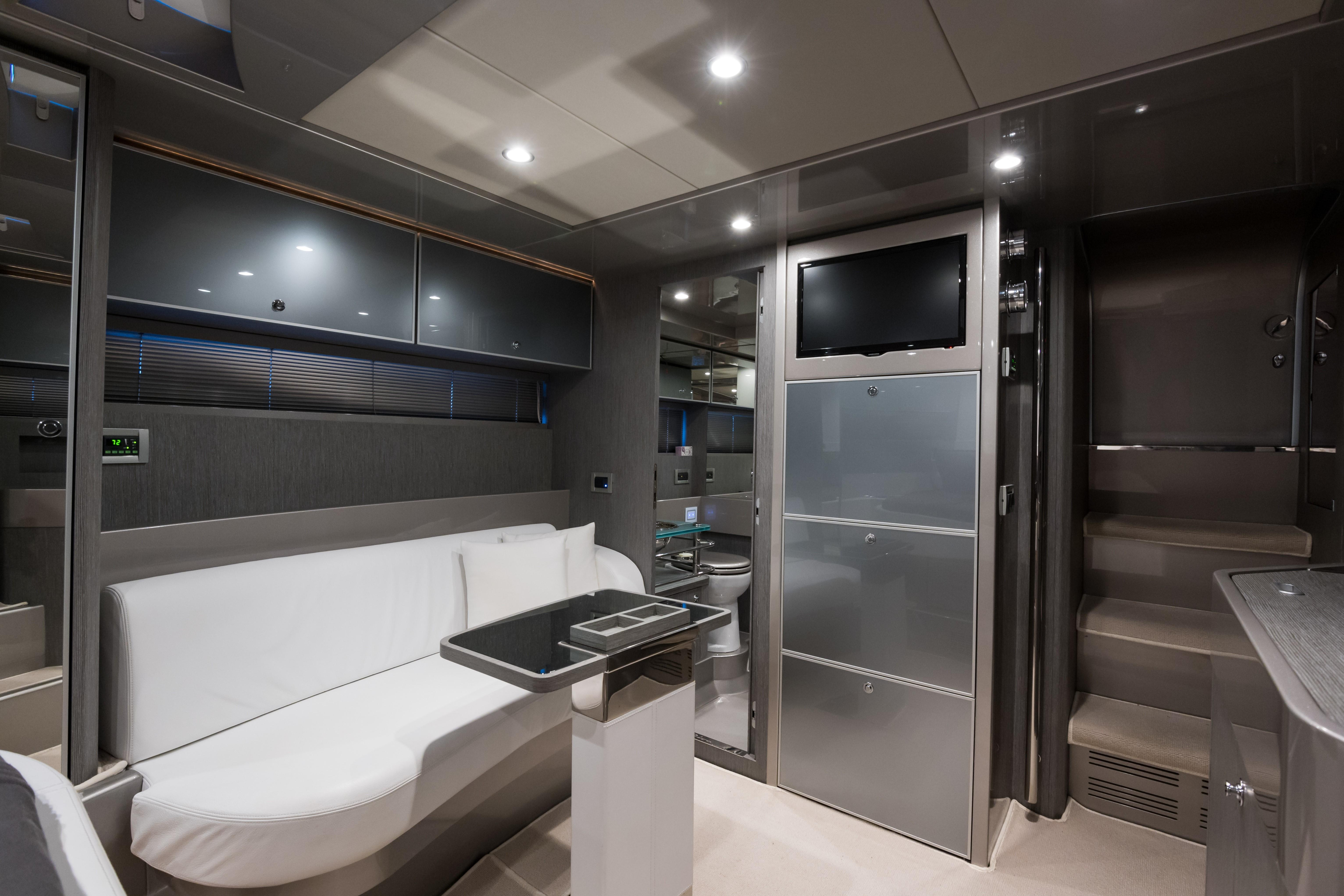 2014 44' Riva Cabin/Dinette