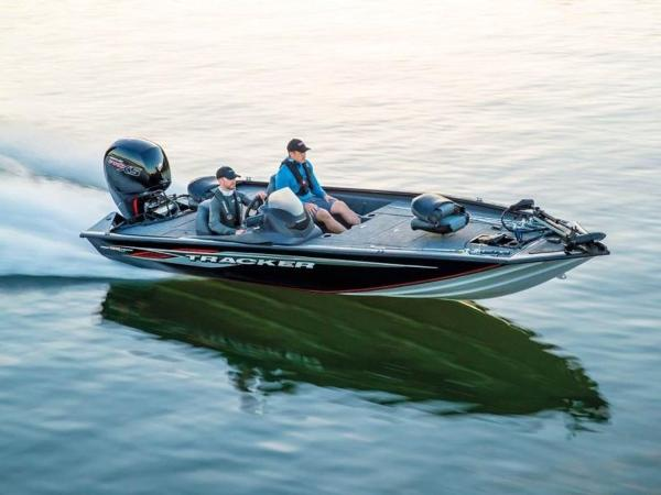 2021 Tracker Boats boat for sale, model of the boat is Pro Team™ 195 TXW & Image # 1 of 43