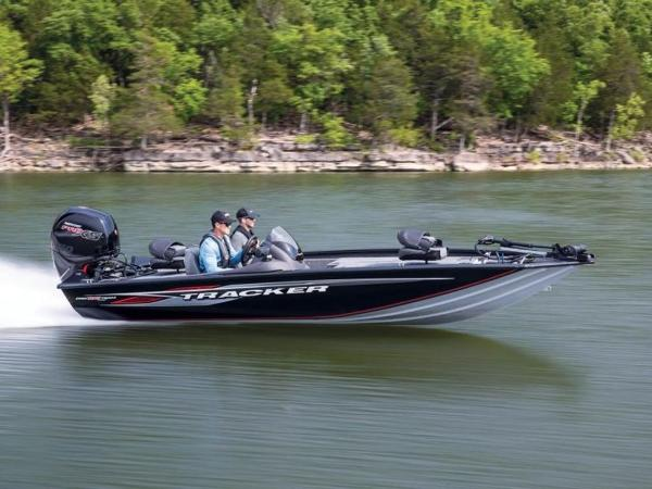 2021 Tracker Boats boat for sale, model of the boat is Pro Team™ 195 TXW & Image # 2 of 43