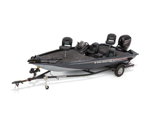 2021 Tracker Boats boat for sale, model of the boat is Pro Team™ 195 TXW & Image # 15 of 43