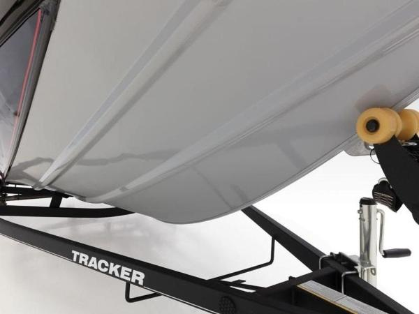 2021 Tracker Boats boat for sale, model of the boat is Pro Team™ 195 TXW & Image # 16 of 43