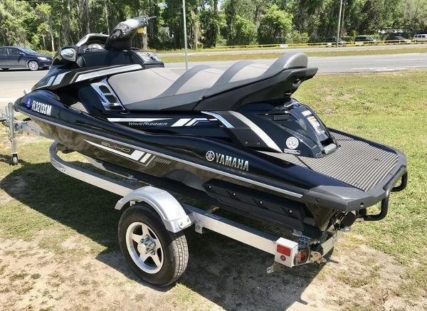 2017 Yamaha boat for sale, model of the boat is FX Cruiser SVHO & Image # 6 of 9