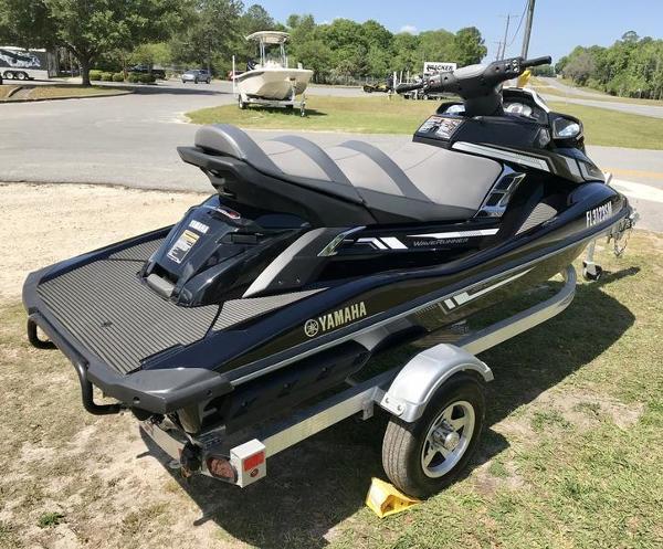 2017 Yamaha boat for sale, model of the boat is FX Cruiser SVHO & Image # 7 of 9
