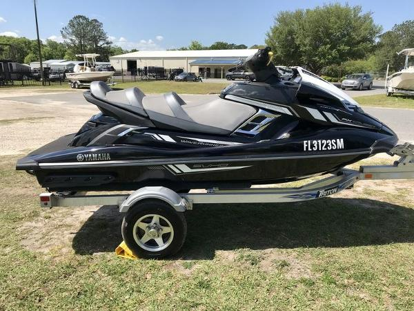 2017 Yamaha boat for sale, model of the boat is FX Cruiser SVHO & Image # 8 of 9