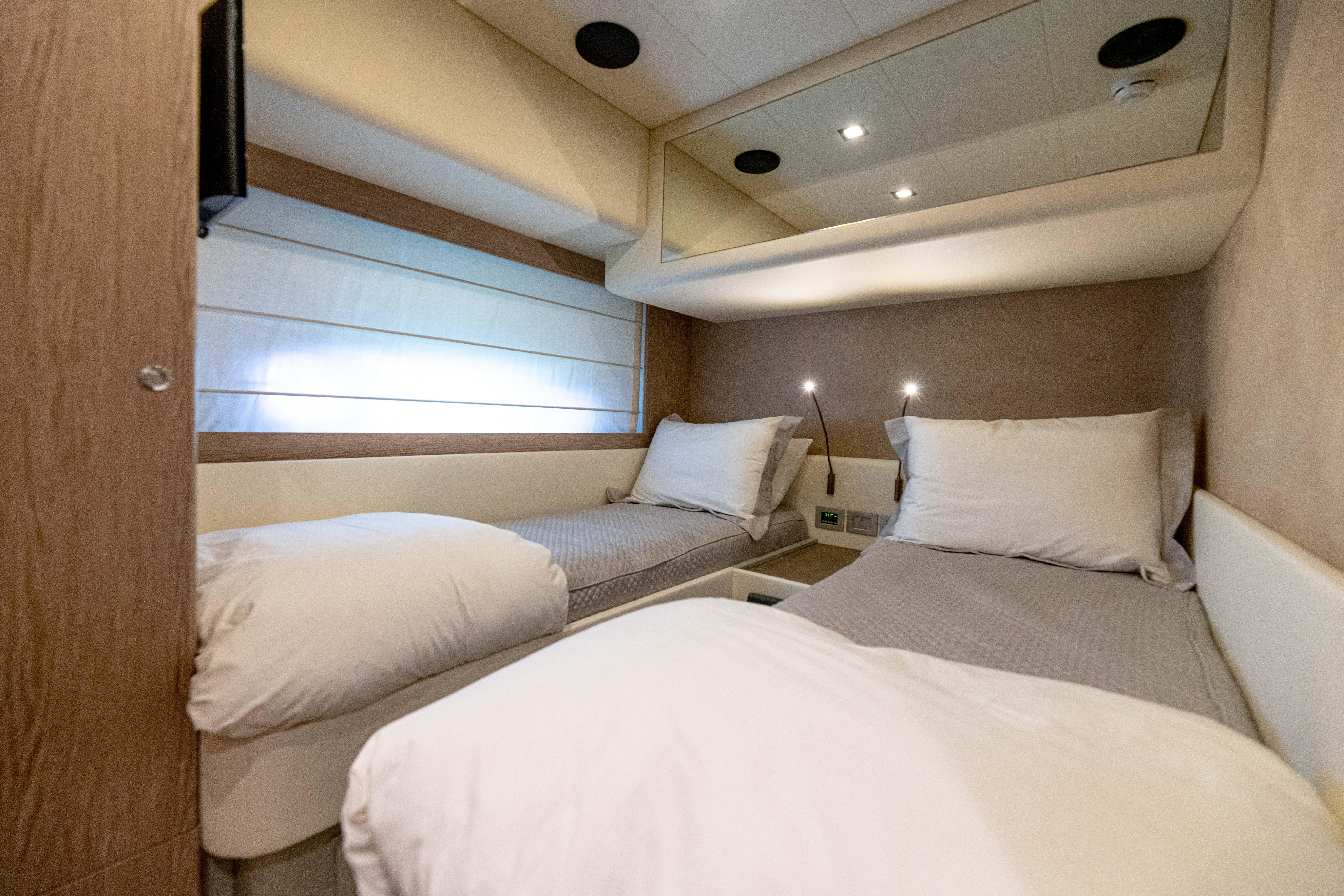 Ferretti 650 - Guest Stateroom
