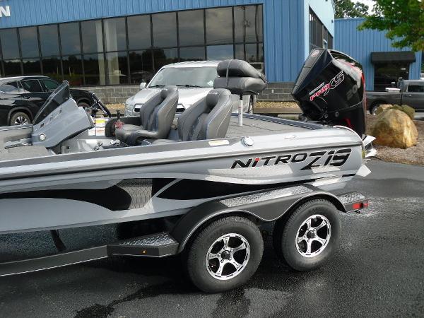 2021 Nitro boat for sale, model of the boat is Z19 & Image # 7 of 36