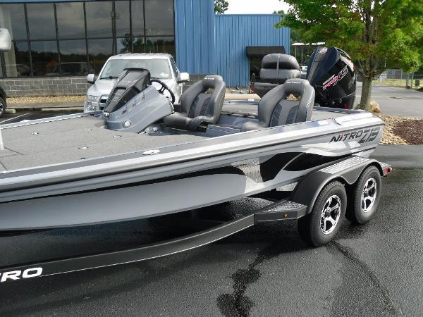 2021 Nitro boat for sale, model of the boat is Z19 & Image # 8 of 36