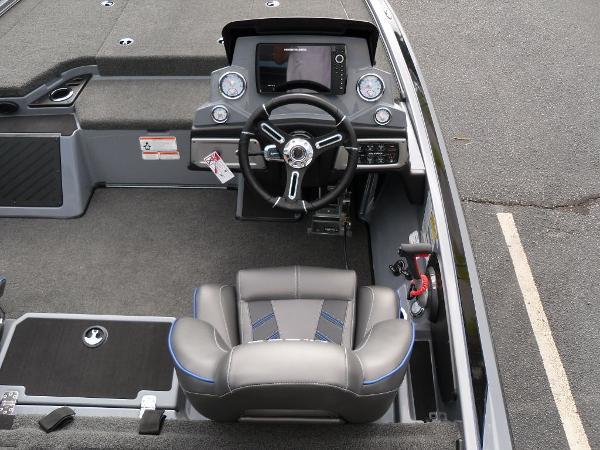 2021 Nitro boat for sale, model of the boat is Z19 & Image # 11 of 36