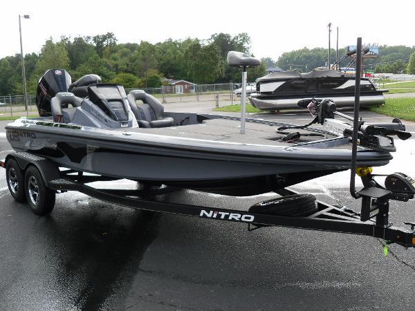 2021 Nitro boat for sale, model of the boat is Z19 & Image # 26 of 36