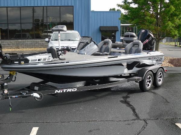 2021 Nitro boat for sale, model of the boat is Z19 & Image # 27 of 36