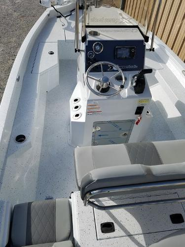 2021 Xpress boat for sale, model of the boat is H20B & Image # 4 of 17