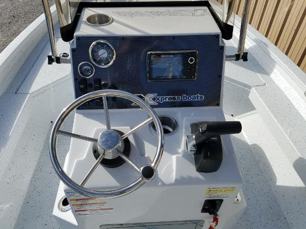 2021 Xpress boat for sale, model of the boat is H20B & Image # 5 of 17