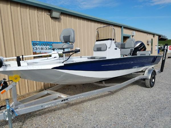2021 Xpress boat for sale, model of the boat is H20B & Image # 10 of 17