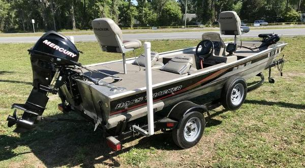 1999 Tracker Boats boat for sale, model of the boat is Pro Team 165 & Image # 6 of 9