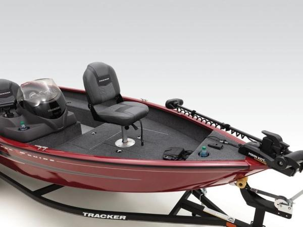 2021 Tracker Boats boat for sale, model of the boat is Super Guide™ V-16 SC & Image # 5 of 41