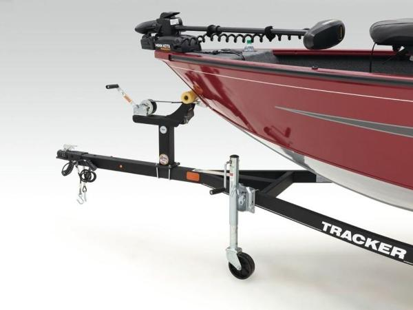 2021 Tracker Boats boat for sale, model of the boat is Super Guide™ V-16 SC & Image # 9 of 41
