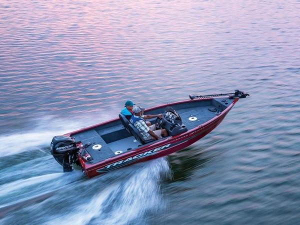 2021 Tracker Boats boat for sale, model of the boat is Super Guide™ V-16 SC & Image # 12 of 41