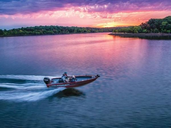 2021 Tracker Boats boat for sale, model of the boat is Super Guide™ V-16 SC & Image # 15 of 41