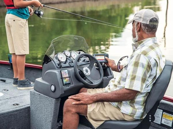 2021 Tracker Boats boat for sale, model of the boat is Super Guide™ V-16 SC & Image # 40 of 41