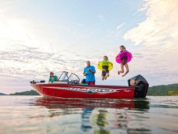 2021 Tracker Boats boat for sale, model of the boat is Targa™ V-19 Combo & Image # 1 of 66