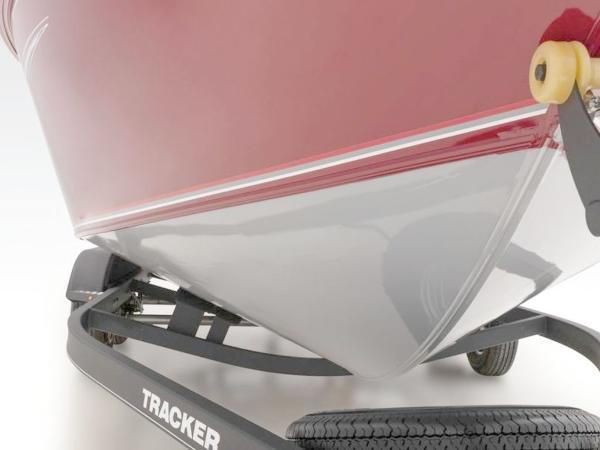 2021 Tracker Boats boat for sale, model of the boat is Targa™ V-19 Combo & Image # 17 of 66