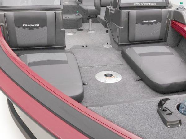 2021 Tracker Boats boat for sale, model of the boat is Targa™ V-19 Combo & Image # 29 of 66