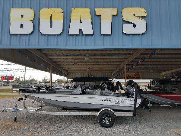 2021 Xpress boat for sale, model of the boat is X18Pro & Image # 2 of 9