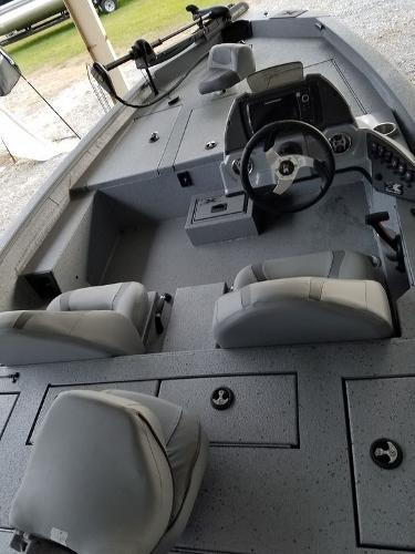 2021 Xpress boat for sale, model of the boat is X18Pro & Image # 8 of 9
