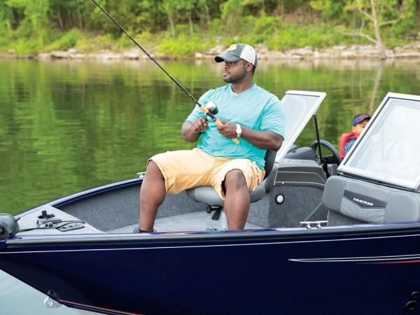 2021 Tracker Boats boat for sale, model of the boat is Pro Guide™ V-175 Combo & Image # 30 of 54