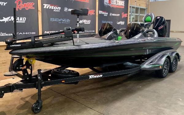 2021 Triton boat for sale, model of the boat is 20 TRX Patriot & Image # 6 of 18