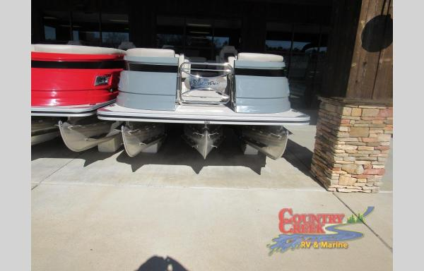 2021 Silver Wave boat for sale, model of the boat is 2410JS SW5 & Image # 2 of 11