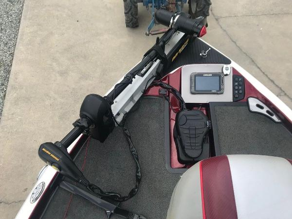 2015 Ranger Boats boat for sale, model of the boat is Z518c & Image # 7 of 14
