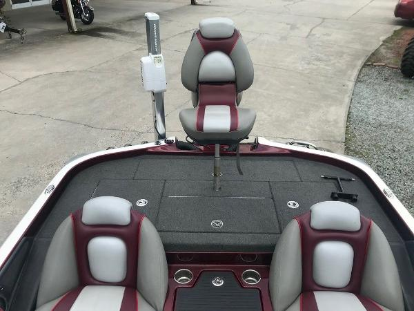 2015 Ranger Boats boat for sale, model of the boat is Z518c & Image # 12 of 14
