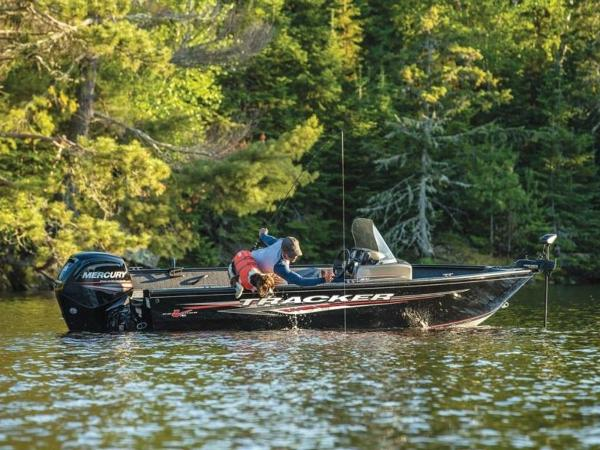 2021 Tracker Boats boat for sale, model of the boat is Pro Guide™ V-16 SC & Image # 7 of 43