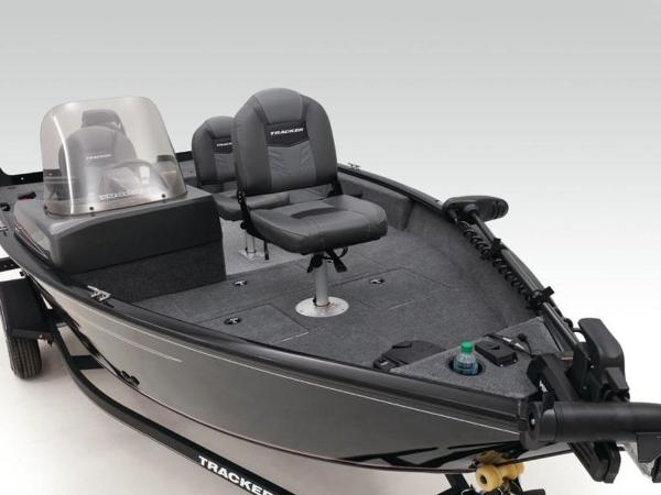 2021 Tracker Boats boat for sale, model of the boat is Pro Guide™ V-16 SC & Image # 36 of 43
